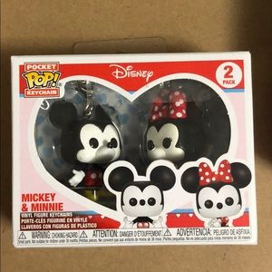 Accessories - Pocket pop key chains Mickey and Minnie